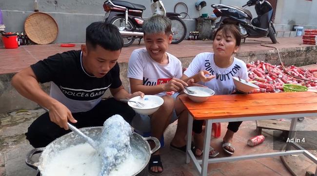 Dân mạng bất ngờ chia sẻ hình ảnh gia đình Bà Tân Vlog vắng lặng vì ngừng sản xuất video sau lùm xùm của con trai Hưng Vlog - Ảnh 5.