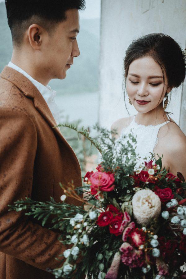 Có gì trong lễ cưới bí mật đẹp thoát tục của cặp đôi Việt được báo Tây ca ngợi hết lời - Ảnh 9.