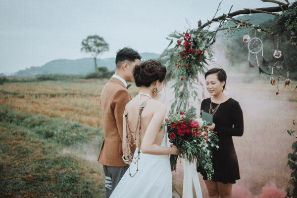 Có gì trong lễ cưới bí mật đẹp thoát tục của cặp đôi Việt được báo Tây ca ngợi hết lời - Ảnh 11.