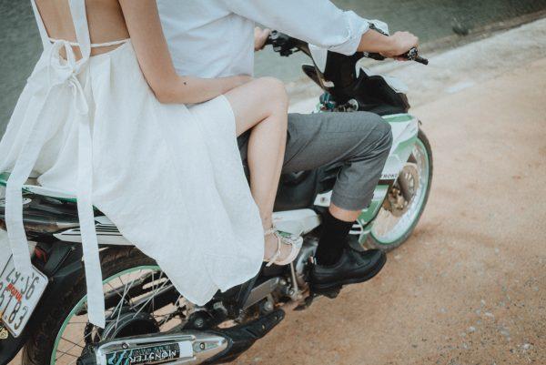 Có gì trong lễ cưới bí mật đẹp thoát tục của cặp đôi Việt được báo Tây ca ngợi hết lời - Ảnh 18.