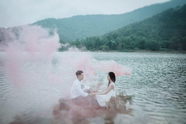 Có gì trong lễ cưới bí mật đẹp thoát tục của cặp đôi Việt được báo Tây ca ngợi hết lời - Ảnh 17.