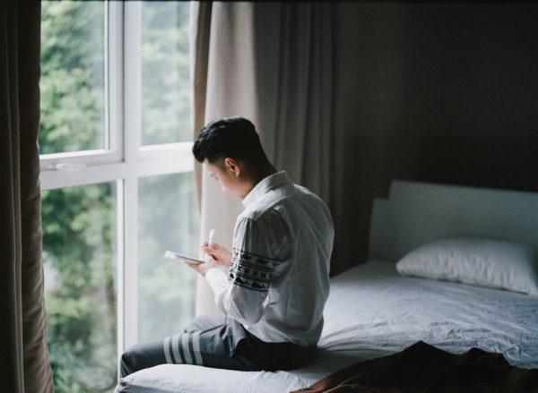 Có gì trong lễ cưới bí mật đẹp thoát tục của cặp đôi Việt được báo Tây ca ngợi hết lời - Ảnh 4.