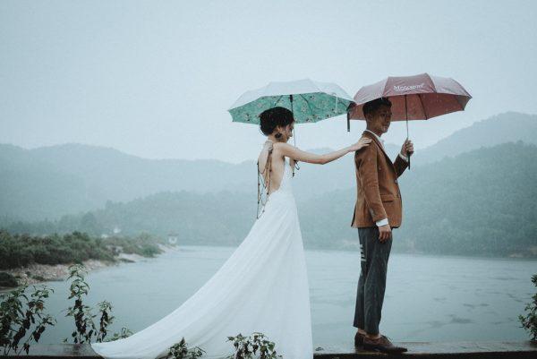 Có gì trong lễ cưới bí mật đẹp thoát tục của cặp đôi Việt được báo Tây ca ngợi hết lời - Ảnh 6.