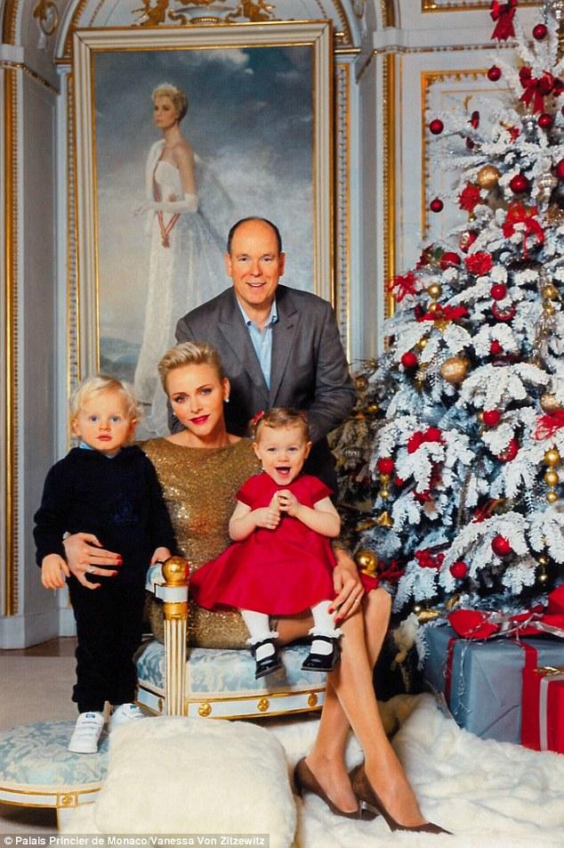 Lộ diện tiểu hoàng tử và công chúa đẹp lung linh cạnh tranh với hai con của công nương Kate - Ảnh 1.