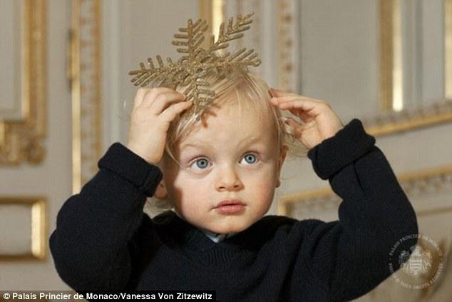 Lộ diện tiểu hoàng tử và công chúa đẹp lung linh cạnh tranh với hai con của công nương Kate - Ảnh 3.