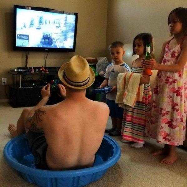 Chẳng cần xem phim hài, nhà có 1 đứa trẻ con đã khiến bạn cười cả ngày - Ảnh 6.