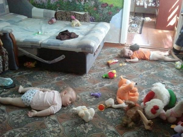Chẳng cần xem phim hài, nhà có 1 đứa trẻ con đã khiến bạn cười cả ngày - Ảnh 2.