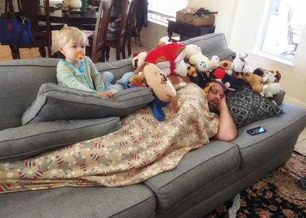 Chẳng cần xem phim hài, nhà có 1 đứa trẻ con đã khiến bạn cười cả ngày - Ảnh 14.