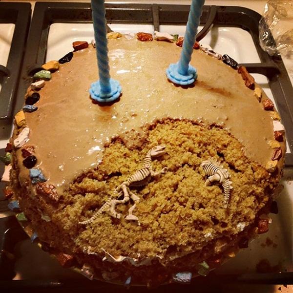 Những chiếc bánh đẹp và lạ khiến bạn muốn ngắm mãi chẳng nỡ ăn - Ảnh 12.