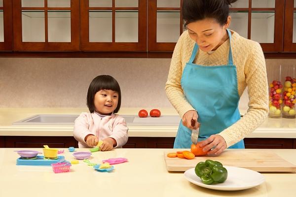 Muốn con hết táo bón, hãy bỏ ngay 3 sai lầm sau khi bổ sung chất xơ cho trẻ - Ảnh 2.