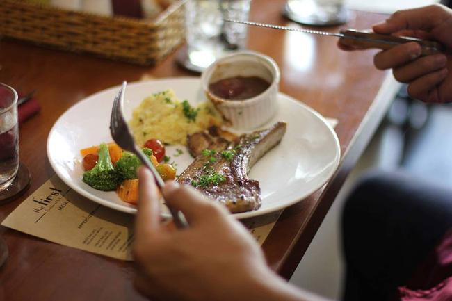 8 quán ăn ngon, không gian đẹp, giá phải chăng để tạm biệt 2016 ở Sài Gòn - Ảnh 2.