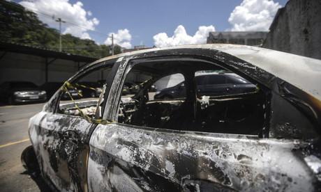 Thi thể bị đốt cháy của ông Amiridis được phát hiện trong chiếc xe ôtô cháy đen. (Nguồn: EPA)