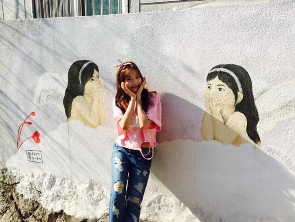 Cận cảnh nhan sắc cô em ruột kín tiếng xinh đẹp không kém Hari Won - Ảnh 18.