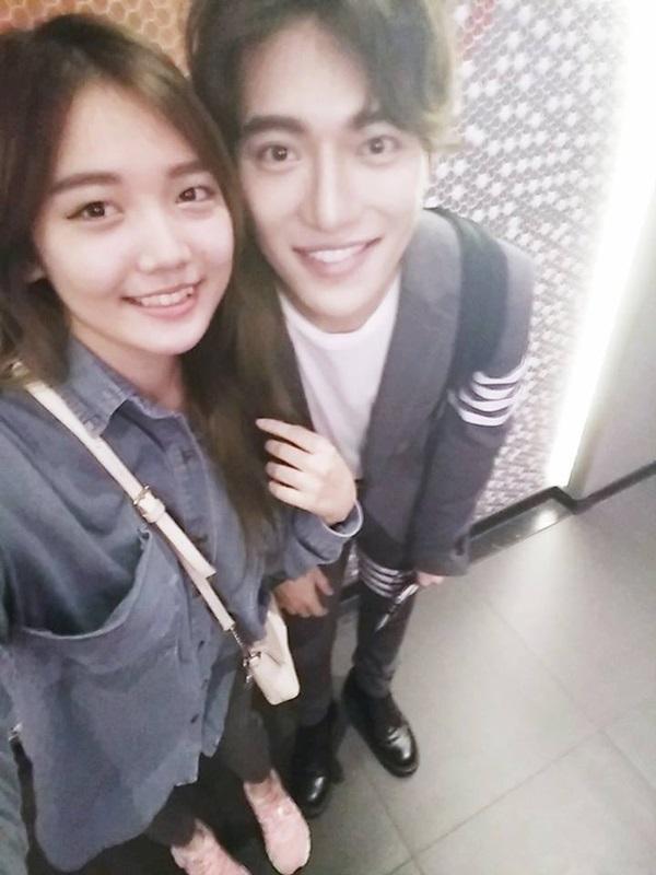 Cận cảnh nhan sắc cô em ruột kín tiếng xinh đẹp không kém Hari Won - Ảnh 23.