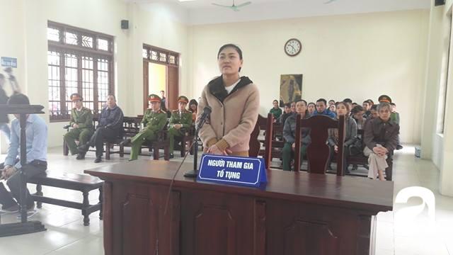 Tài xế lái xe Camry đâm chết 3 người ở Phố Ái Mộ nhận mức án 10 năm tù giam - Ảnh 4.