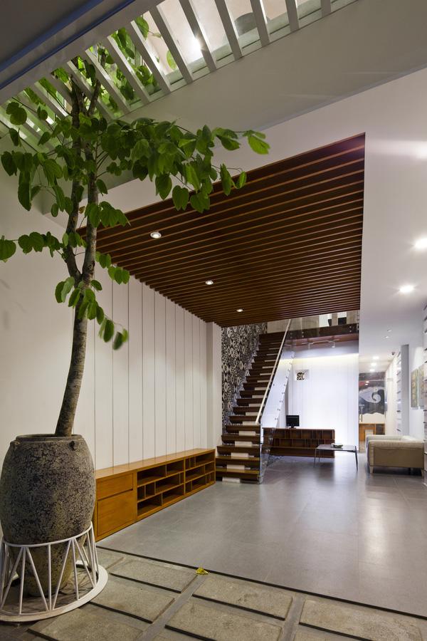 5 ngôi nhà Việt có thiết kế ấn tượng nhất năm 2016 khiến báo Tây khen nức nở - Ảnh 20.