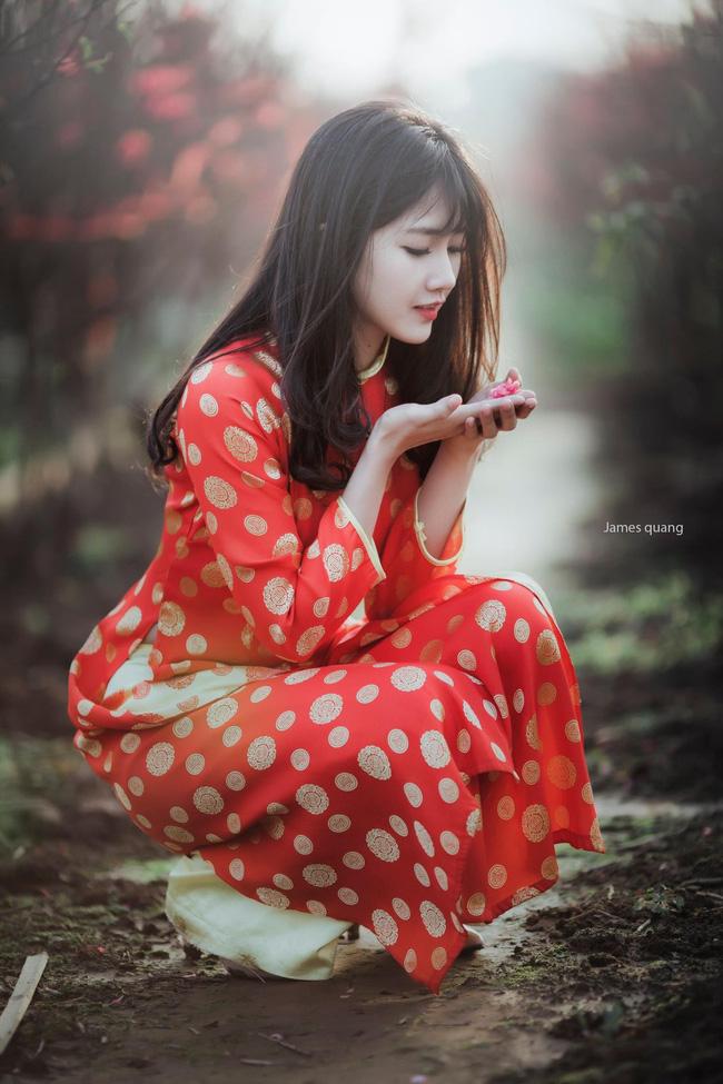 Hình ảnh hot girl Kiều Trinh diện áo dài đỏ xuất hiện trên hãng thông tấn lớn nhất thế giới - Ảnh 5.