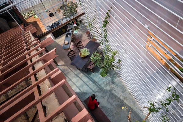 5 ngôi nhà Việt có thiết kế ấn tượng nhất năm 2016 khiến báo Tây khen nức nở - Ảnh 11.