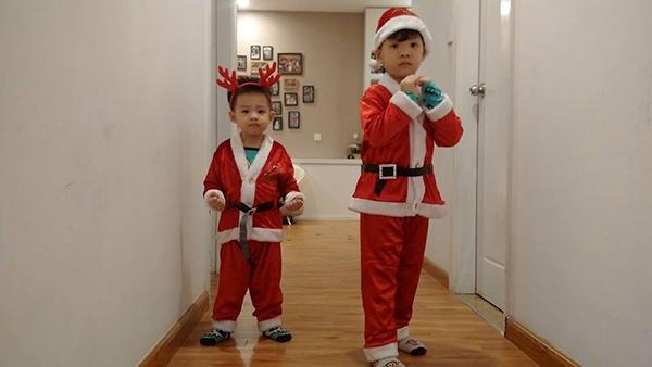 Hình ảnh đáng yêu đến tan chảy của các nhóc tì nhà sao Việt trong mùa Giáng sinh - Ảnh 5.