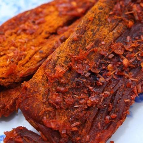 Không cần lò nướng hay lò vi sóng bạn vẫn có thể tự làm thịt bò khô ngon bá cháy - Ảnh 1.