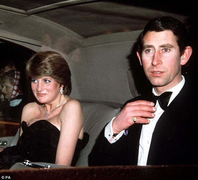 Ngoài Công nương Diana và người tình Camilla, Thái tử Charles còn có một phụ nữ rất xinh đẹp khác - Ảnh 5.