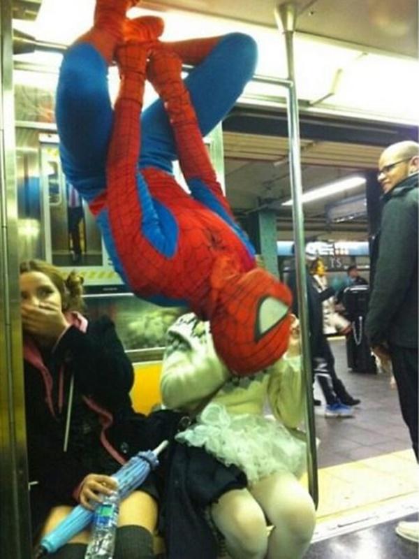 Nếu không muốn trở thành trò cười cho thiên hạ chớ diện đồ kiểu này đi phương tiện công cộng - Ảnh 11.