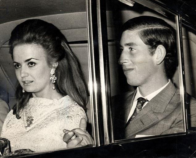 Ngoài Công nương Diana và người tình Camilla, Thái tử Charles còn có một phụ nữ rất xinh đẹp khác - Ảnh 4.