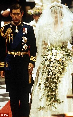 CHẤN ĐỘNG: Sau đám cưới vài tuần, Công nương Diana từng cắt cổ tay tự tử vì ghen tuông với tình địch Camilla - Ảnh 2.