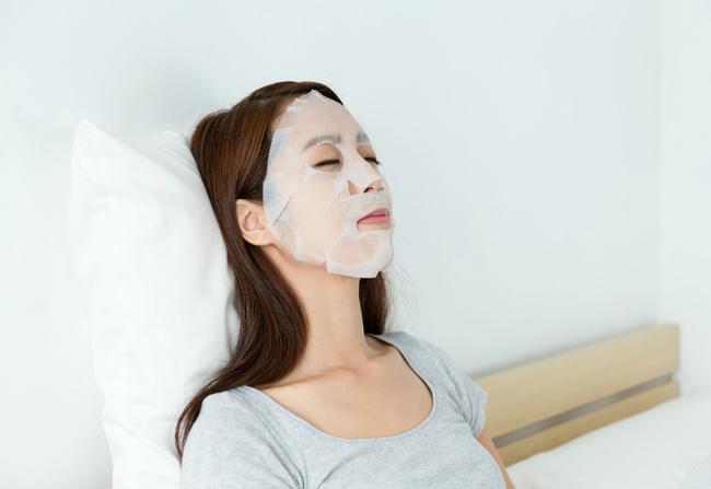 2 lỗi to đùng mà nàng nào cũng mắc phải, khiến cho việc đắp lotion mask chẳng đem lại hiệu quả gì - Ảnh 2.