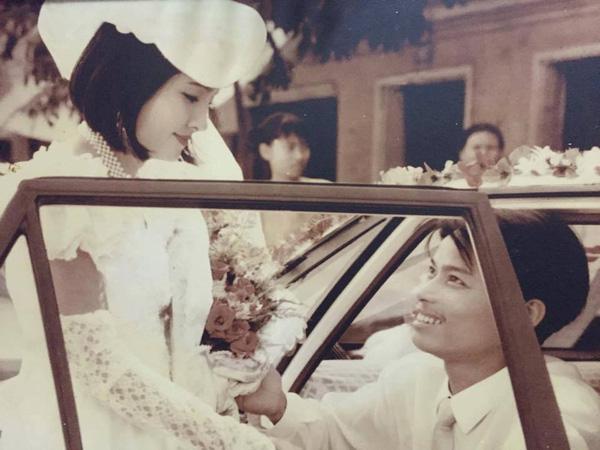 Nhìn lại ảnh cưới của phụ huynh thời ông bà anh: hóa ra bố mẹ ta từng có một thời thanh xuân như thế - Ảnh 14.