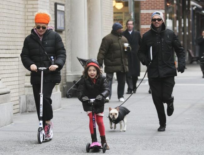 Những đứa trẻ hạnh phúc nhất thế giới thường xuyên được bố mẹ làm việc này - Ảnh 2.