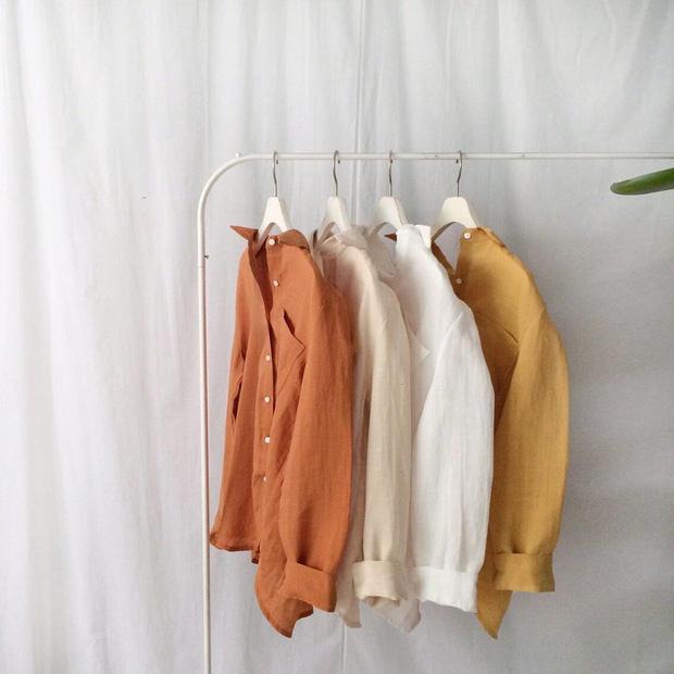 Cứ tưởng là già, nhưng năm nay vải thô đũi lại được khoác áo mới với loạt thiết kế cực trẻ - Ảnh 1.