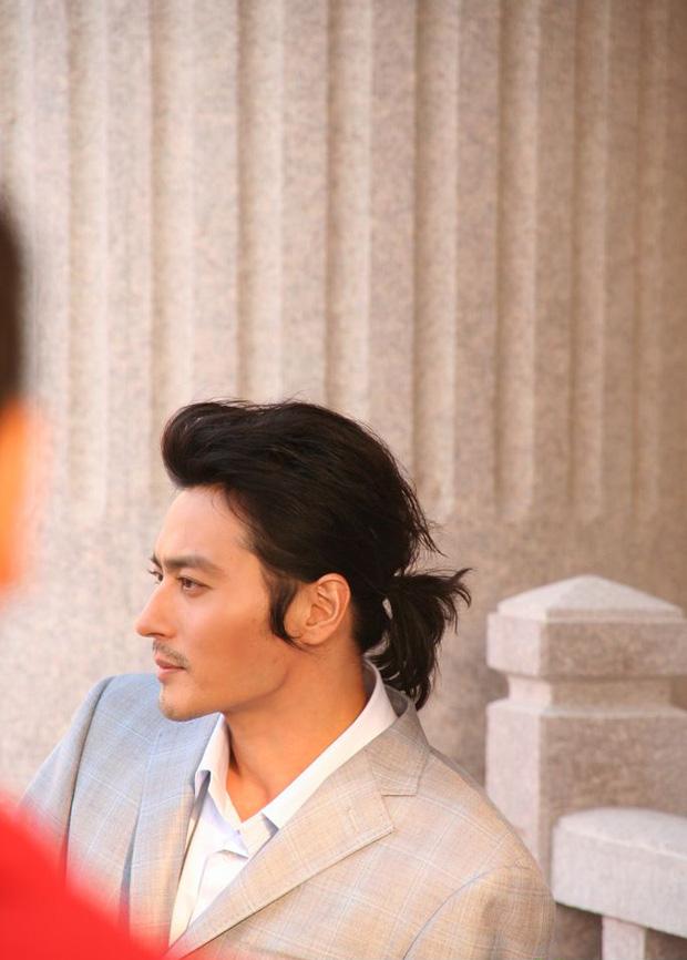 3 nam thần xứ Hàn để tóc dài nữ tính nhưng vẫn rất ngầu và đẹp xuất sắc  - Ảnh 1.