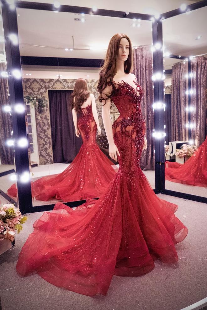 Hé lộ đầm dạ hội mặc đêm Chung kết Miss Grand International của Huyền My, trông chẳng khác gì đầm mặc hôm Bán kết - Ảnh 2.