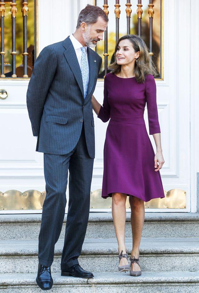 Đẳng cấp như nữ hoàng Tây Ban Nha cũng diện váy được sale chỉ còn nửa giá - Ảnh 1.