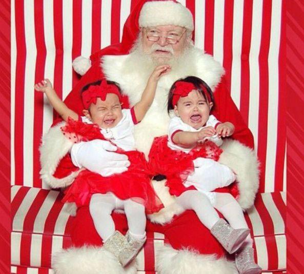 """Những khoảnh khắc """"cười ra nước mắt""""  vì không phải bé nào cũng thích Noel như cha mẹ vẫn nghĩ - Ảnh 7."""