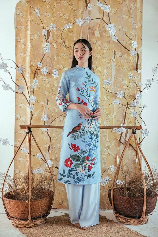 Du Xuân duyên dáng cùng loạt thiết kế áo dài truyền thống có giá dưới 3 triệu đồng - Ảnh 1.