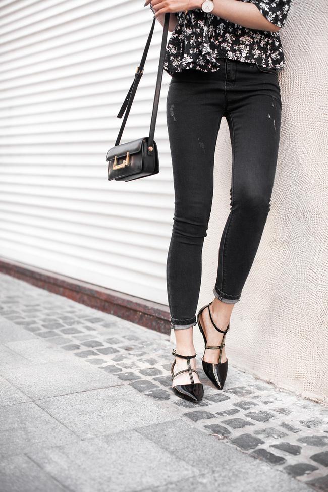 Từng kiểu quần jeans, diện cùng giày thế nào thì phải phép nhất - Ảnh 2.
