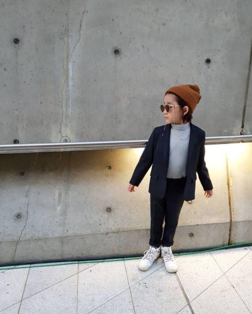 Đến tuần lễ thời trang Seoul, bạn sẽ chết mê với loạt street style chất lừ của các nhóc tì - Ảnh 14.