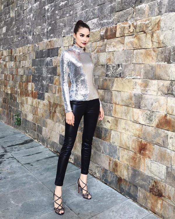Phạm Hương và 3 phong cách hoàn toàn khác nhau từ The Face, Hoa hậu hoàn vũ 2017 đến The Look - Ảnh 4.