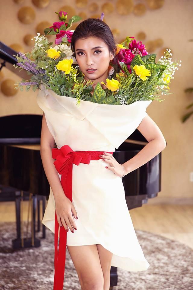 Ngang nhiên mượn thiết kế của Moschino, nhưng bó hoa Tiêu Châu Như Quỳnh lại kém sắc trầm trọng - Ảnh 2.