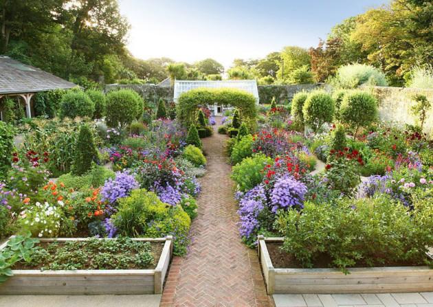 4 ý tưởng trang trí sân vườn bằng các loài hoa cho mùa hè rực rỡ - Ảnh 9.