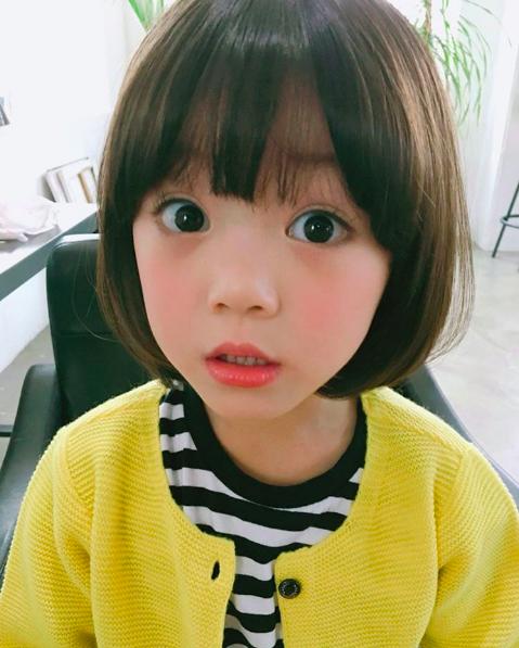 Những cách tạo kiểu với tóc ngắn đáng yêu đến lịm người cho bé gái - Ảnh 3.