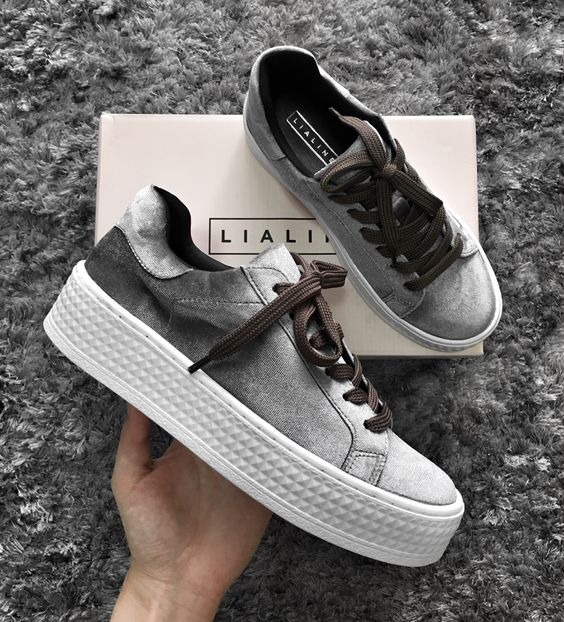 Xu hướng sneaker Thu/Đông 2017 đang khởi động với 4 mẫu giày này - Ảnh 4.