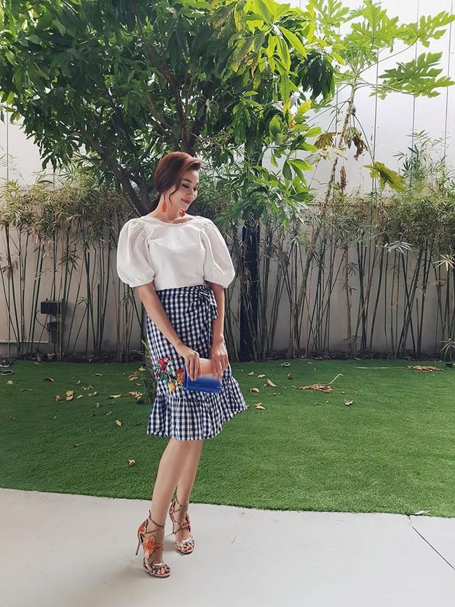 Thu nhập khủng, nhưng những sao Việt này vẫn luôn trung thành với hàng hiệu bình dân Zara và H&M - Ảnh 3.