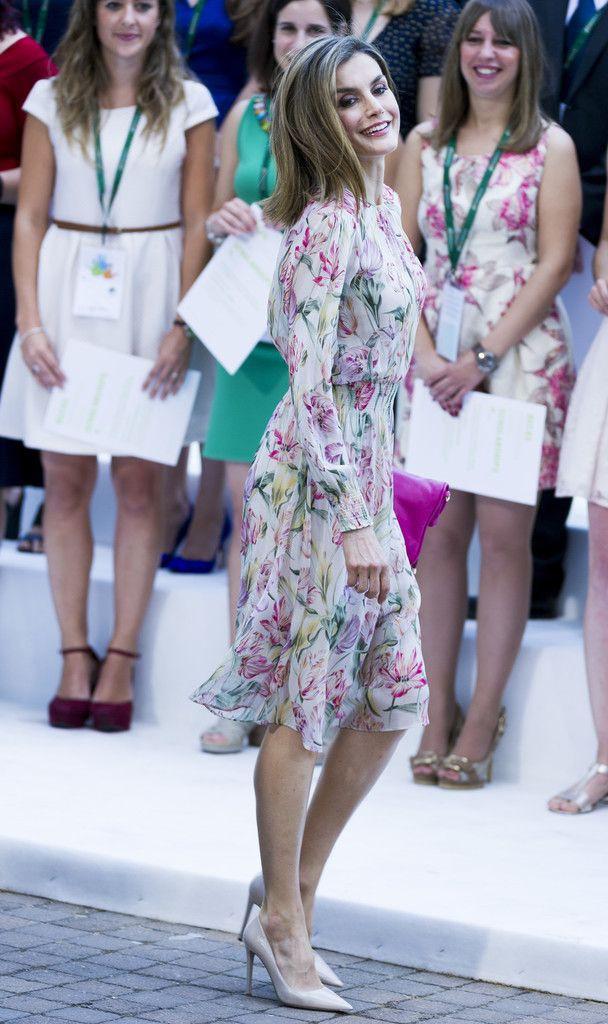 Đây là 4 thiết kế của Zara được Letizia - Hoàng hậu Tây Ban Nha diện đẹp nhất trong năm 2017 - Ảnh 5.
