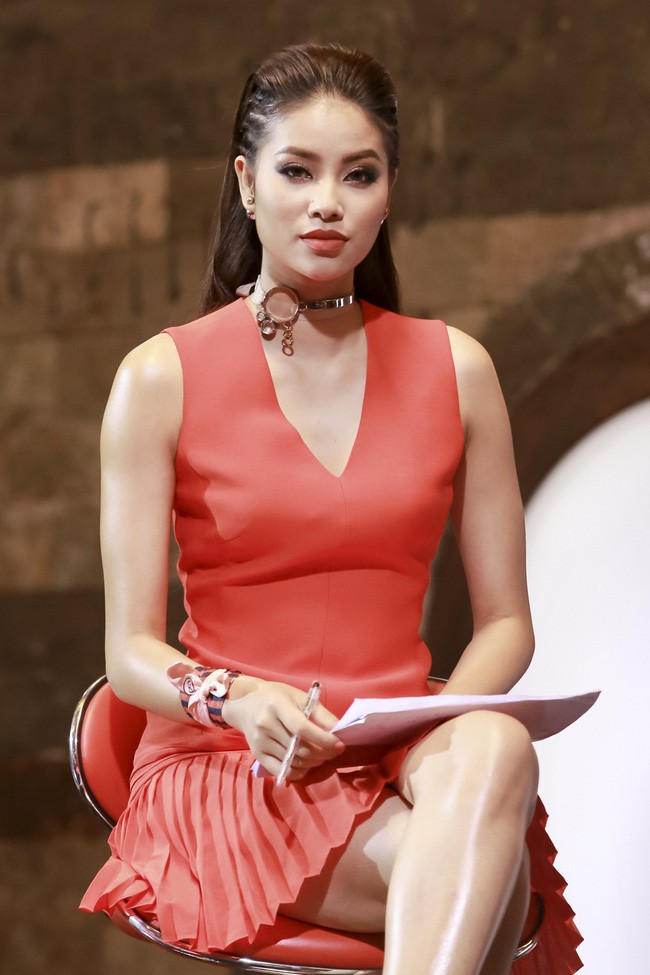 Phạm Hương và 3 phong cách hoàn toàn khác nhau từ The Face, Hoa hậu hoàn vũ 2017 đến The Look - Ảnh 1.