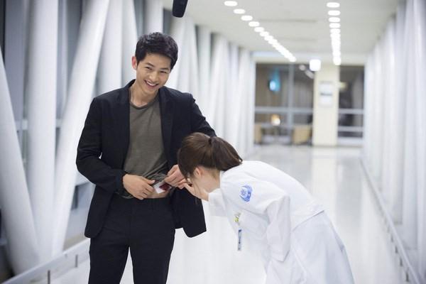 Ngẩn ngơ trước phong cách chuẩn soái ca ngôn tình của 3 mỹ nam phim Hàn - Ảnh 8.
