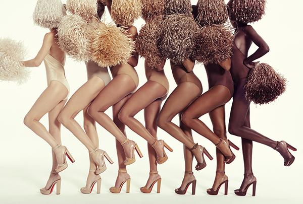 Ông hoàng giày đế đỏ Christian Louboutin lại tung mẫu sandals nude bất chấp mọi khoảng cách về màu da - Ảnh 11.