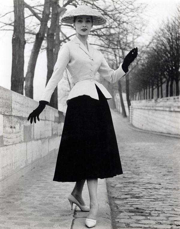 Nhìn lại thời trang 60 năm trước để thấy xu hướng năm nay đã quay vòng ngoạn mục thế nào - Ảnh 19.